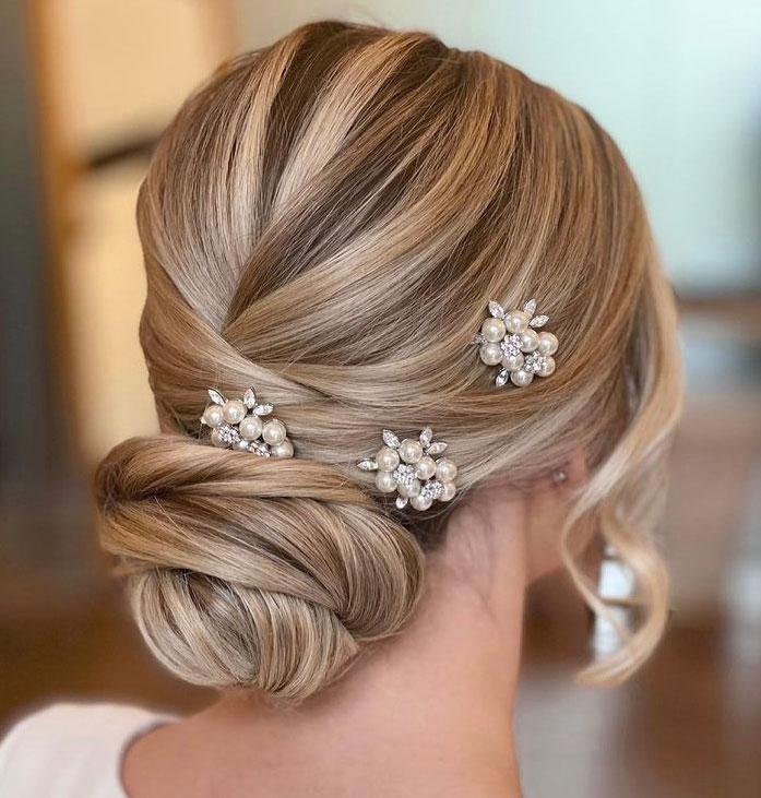 Bridal Hair Accessories in Blonde Hair